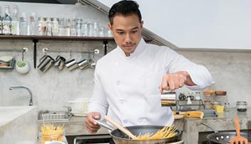 石家庄私厨上门服务让您的家庭聚餐变得轻松